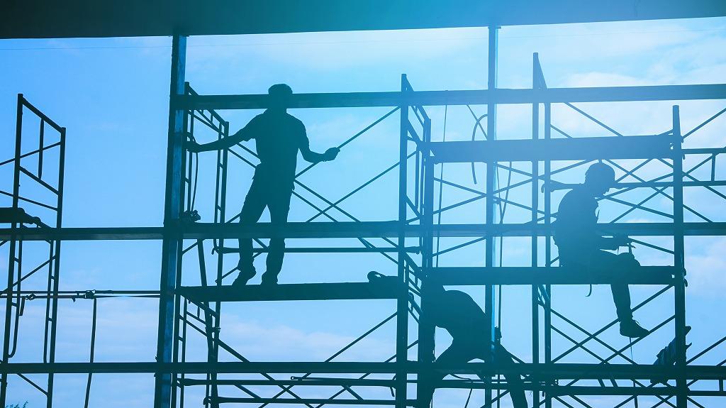 豆知識!新築・改修で求められる足場工事の違い